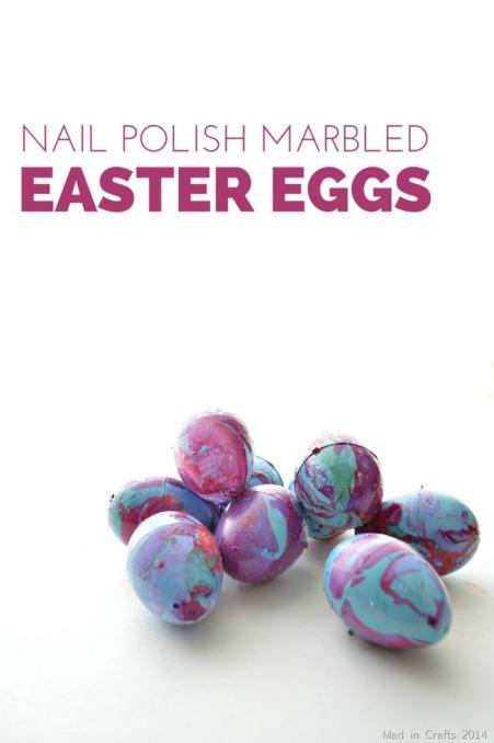 Marbling-Plastic-Eggs-with-Nail-Polish_thumb