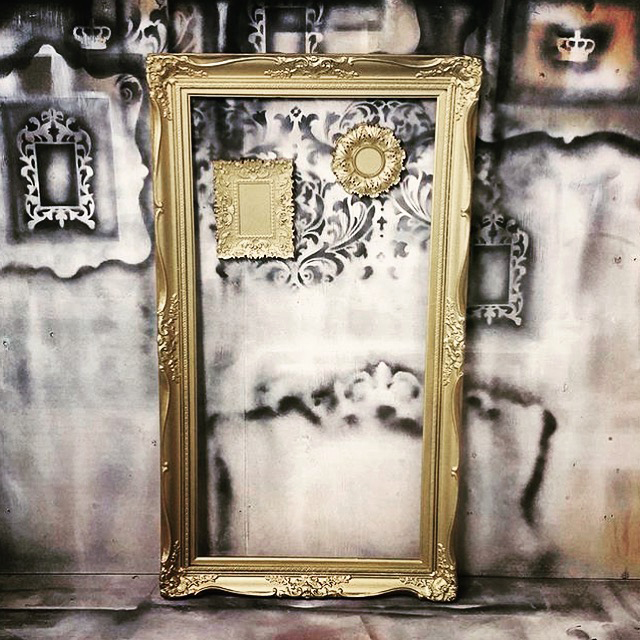 prettythings-goldframe